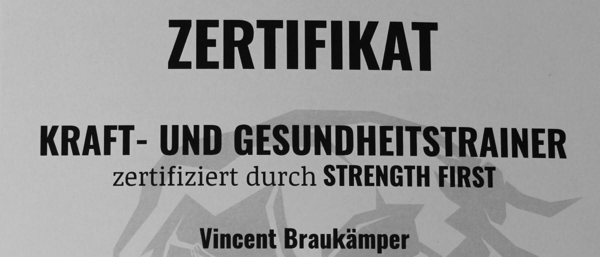Strength First zertifizierter Kraft und Gesundheitstrainer